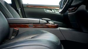 car-2367505_1920